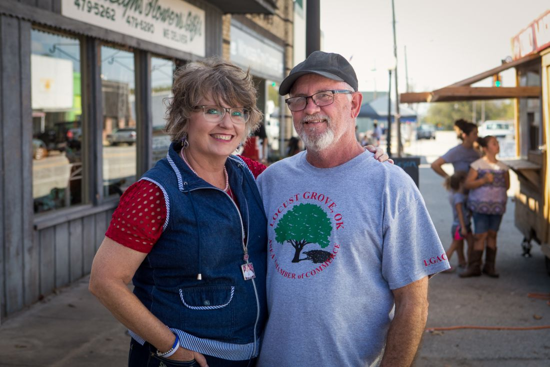 Roxann Yates, LGAA Art Show Co-ordinator, and Jerry Yates, Chamber of Commerce President